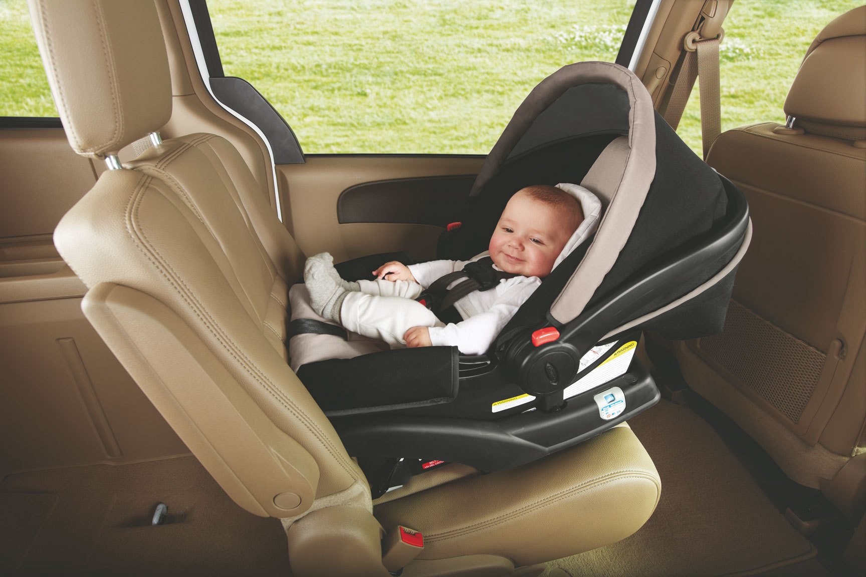 4 Tips to Help You Choose the Right Baby Car Seat