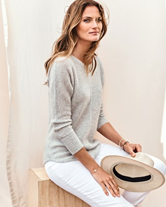 Women's sweaters & jumpers