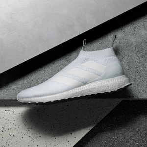 Urban football shoes
